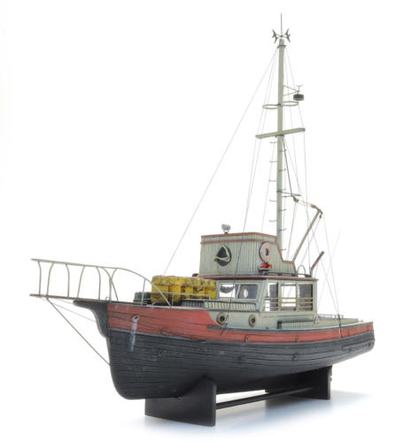 50.143_ORCA_Shark_Boat_f_LR